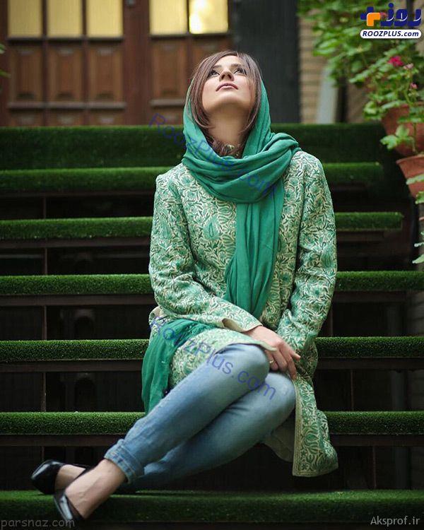 عکس بی حجاب پای سفید بهترین بازیگر زن ایرانی با کفش تابستانی
